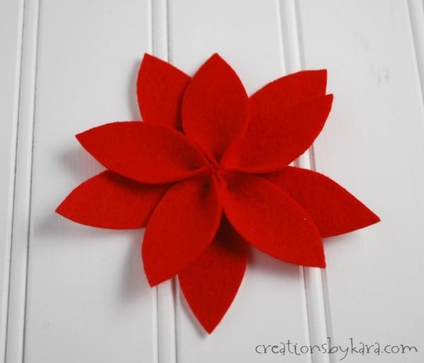 How to make a Felt Poinsettia Yarn Wreath for Christmas