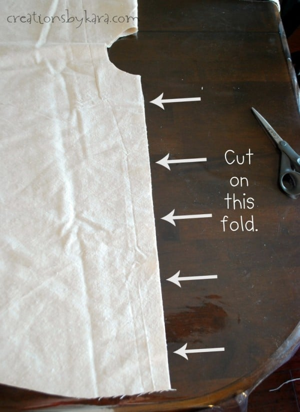 Make this shabby chic ruffle tree skirt in an afternoon!