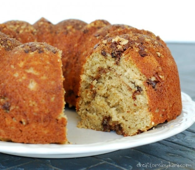 You'll love this recipe for Banana Coffee cake with chocolate and nut topping!