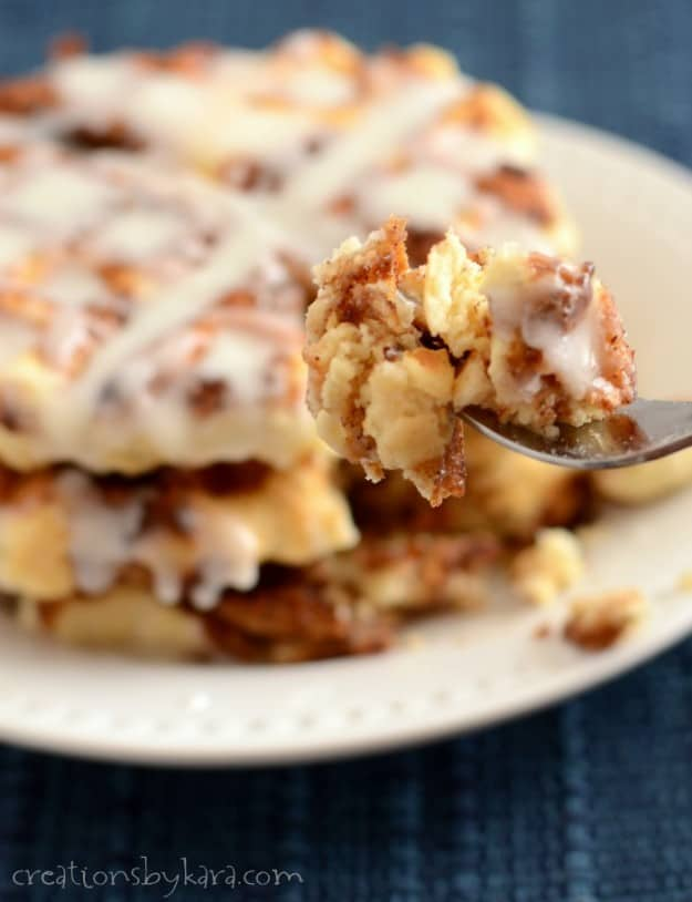 No time for cinnamon rolls? These Cinnamon Roll Waffles are ready in less than 30 minutes!