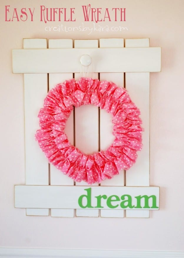 Instructions for making a super easy Ruffle Wreath