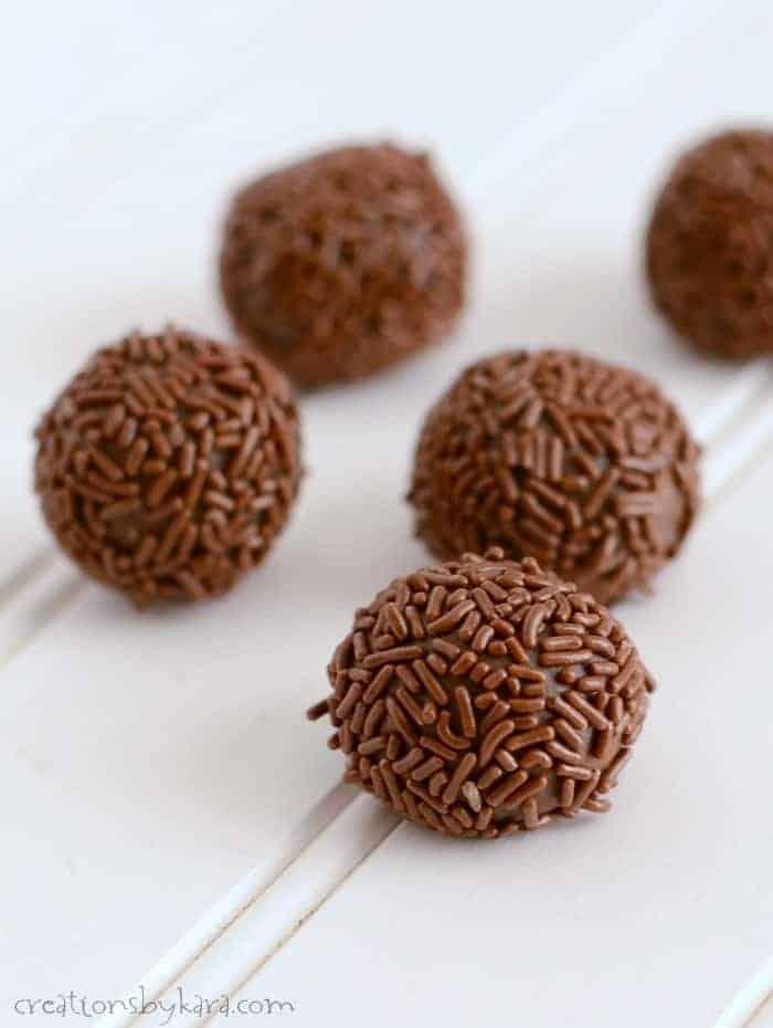 Caramel Chocolate Truffles {Brigadeiro}