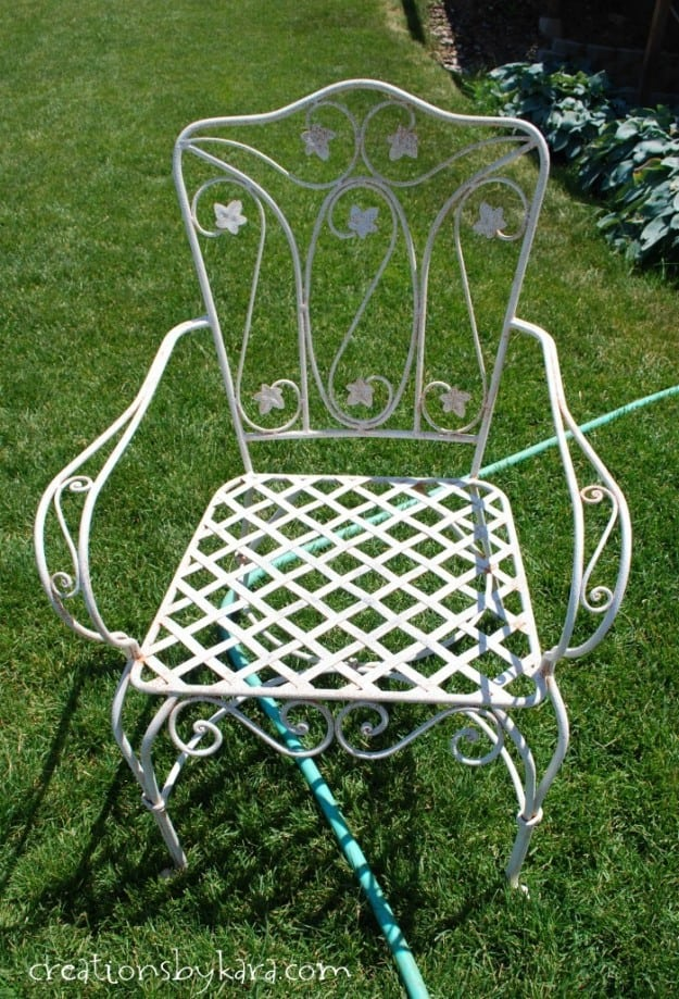 How to transform a rusty metal chair.