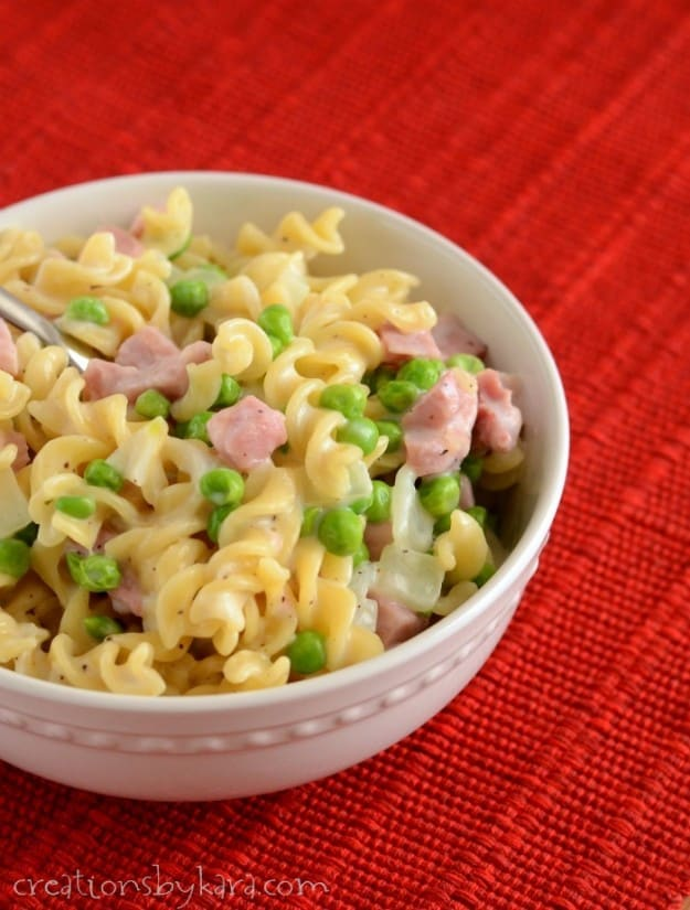 This Ham Pasta with Peas makes a wonderful light summer meal!