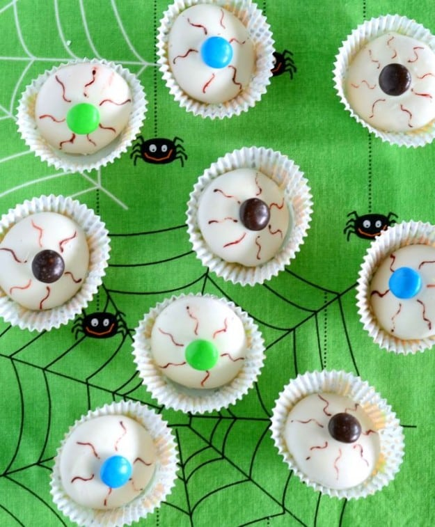 Halloween recipe idea- Bloodshot Eyeball Cookies. Only 4 ingredients!