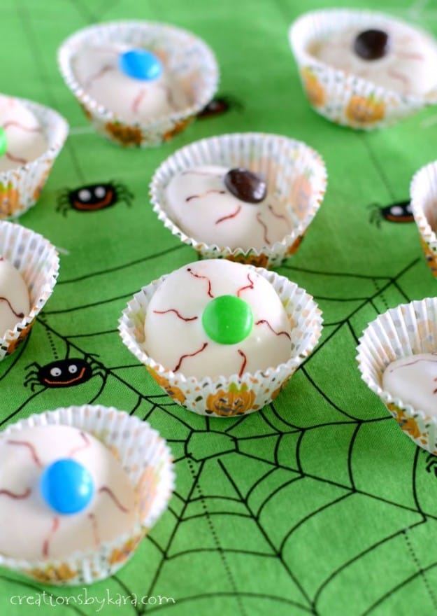 Eyeball Cookies- a quick and easy Halloween treat!