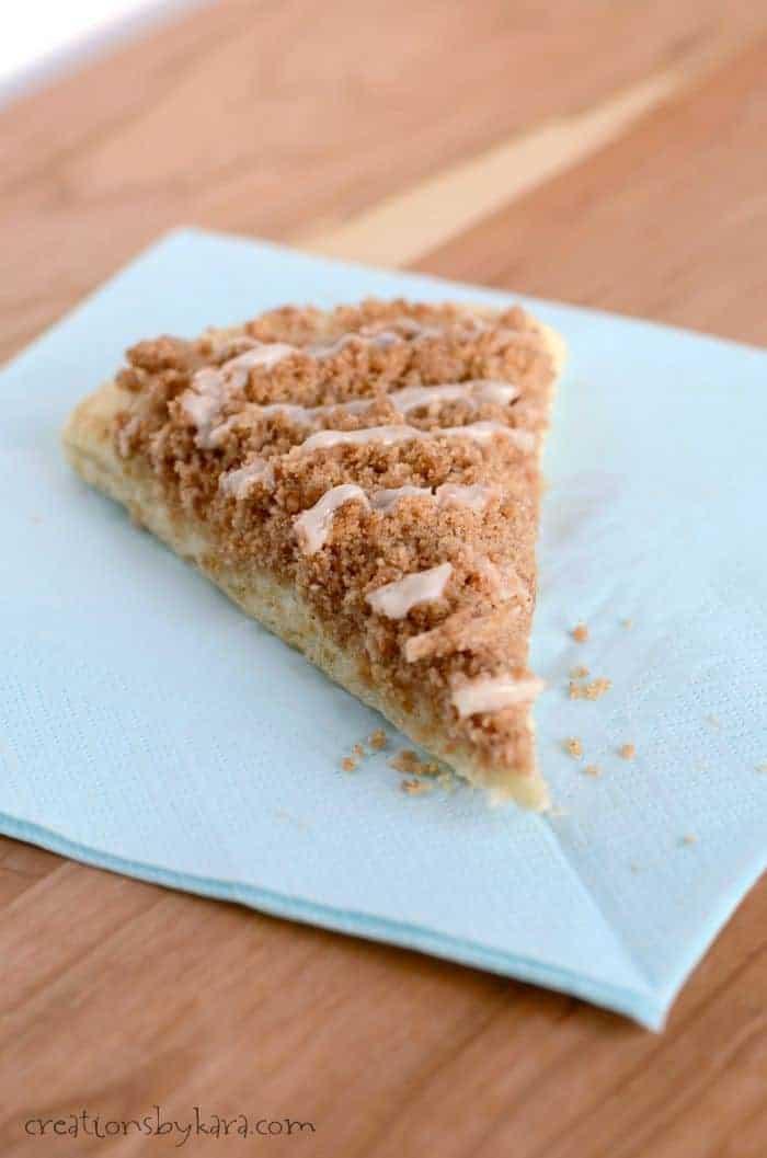 Cinnamon Crumb Dessert Pizza