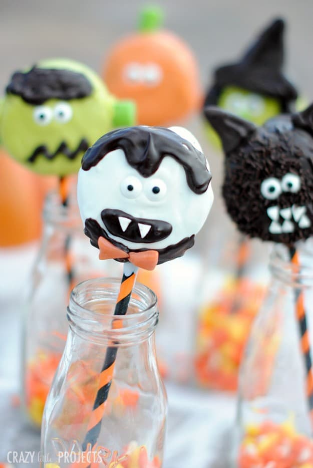 Halloween linky party features