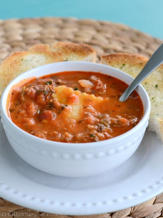 Recipe for hearty and delicious Tuscan Ravioli Soup