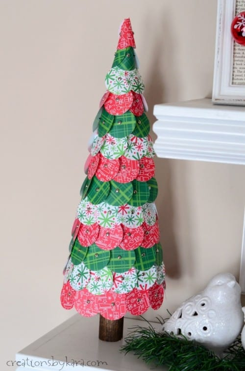 How to make pretty paper Christmas Trees out of punched circles of paper.