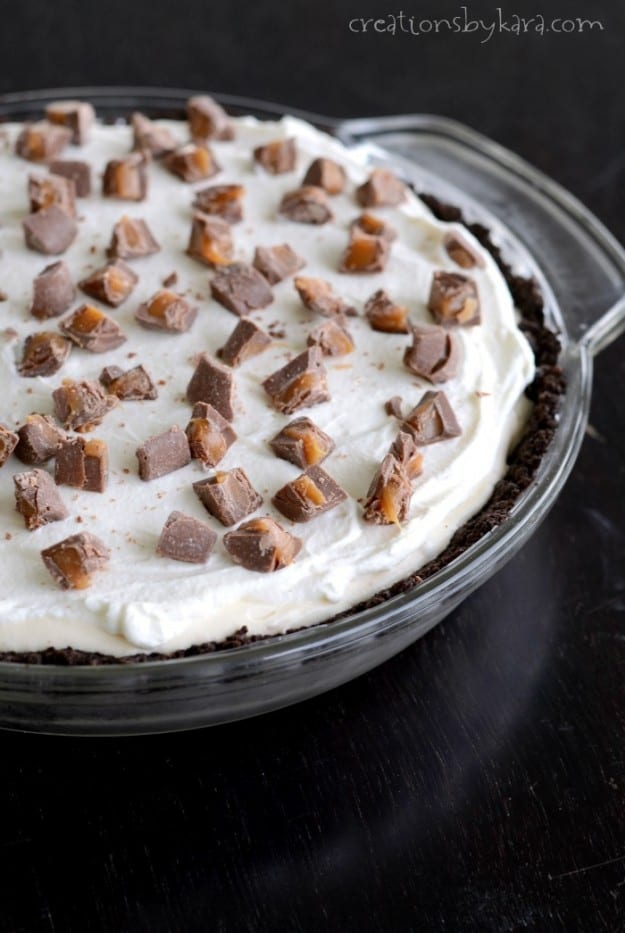pan of cream pie with chopped rolos on top