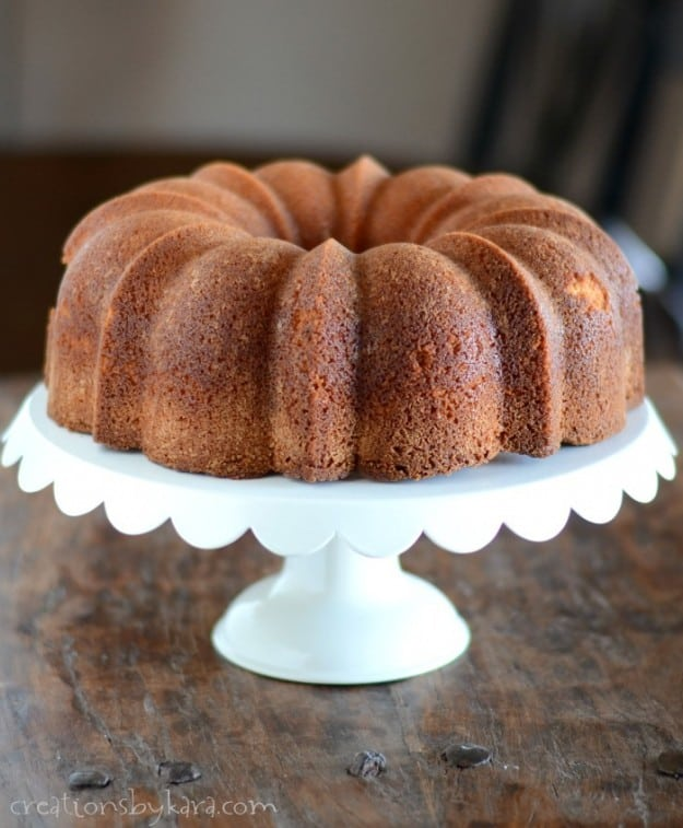 Recipe for eggnog cake made in a Bundt cake pan. So pretty, and so delicious!