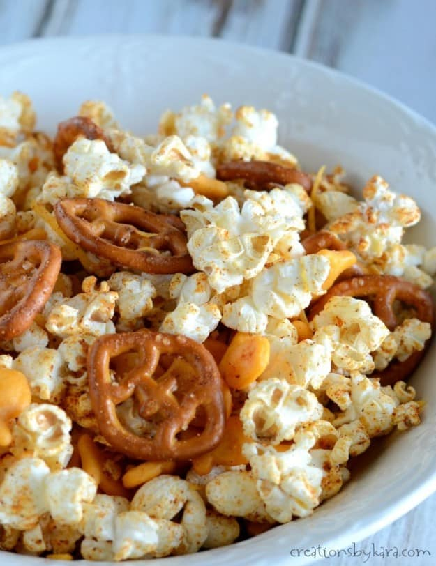 popcorn snack mix with pretzels, goldfish, and taco seasoning