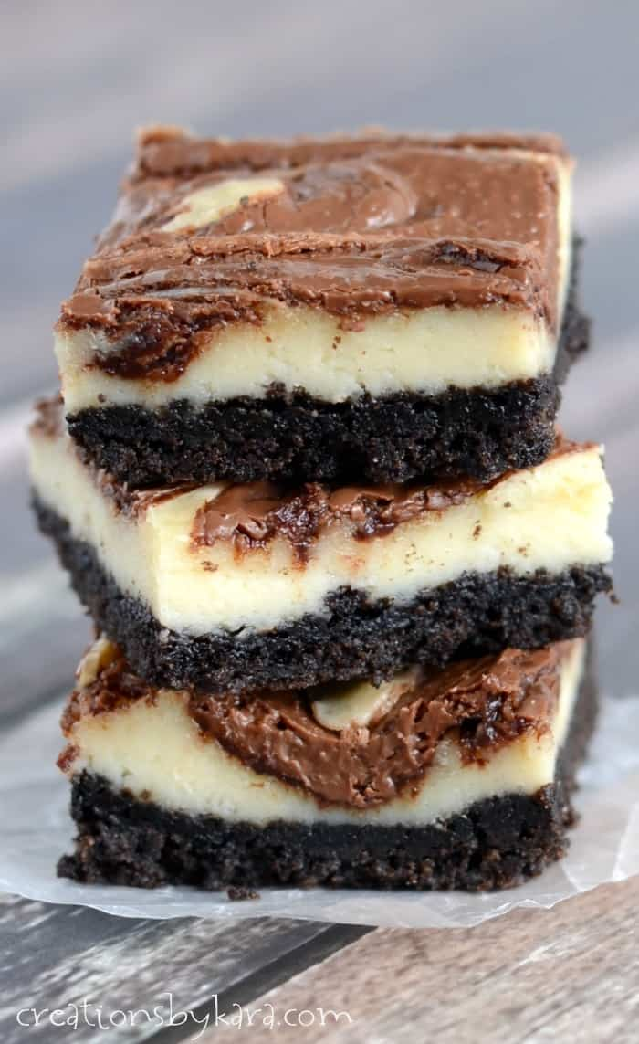 Love Nutella? You will go crazy for these amazing Nutella Cheesecake Bars. So yummy!