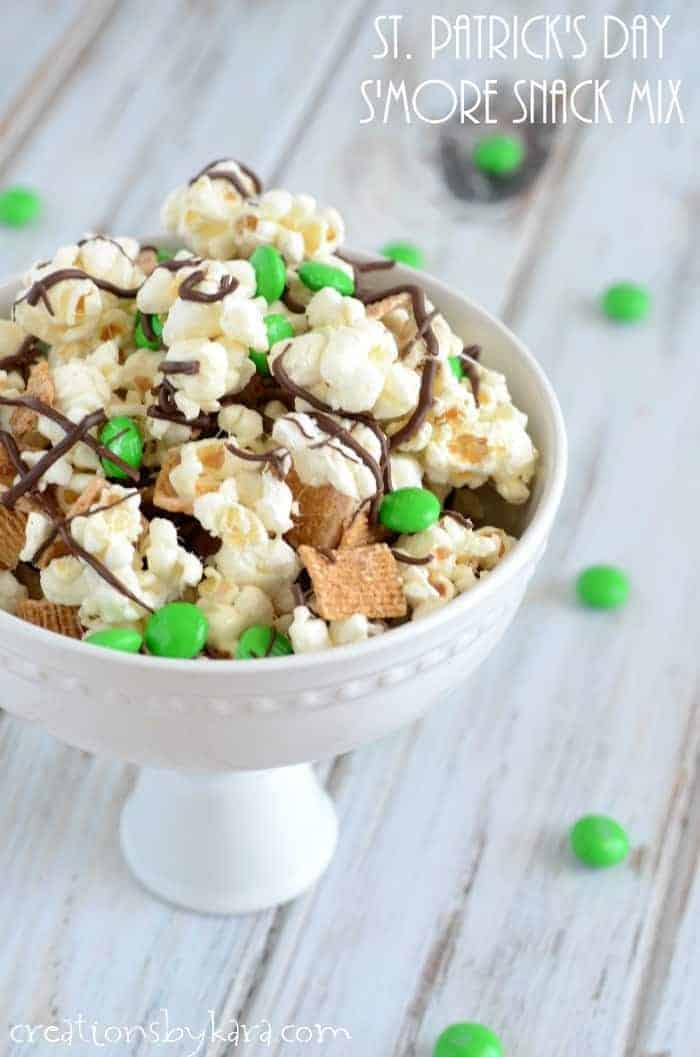 St. Patricks Day Smores Snack Mix- an easy and yummy treat!