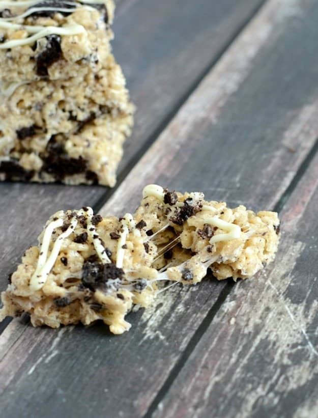 Soft and gooey Oreo Rice Krispie Treats. These are a must make!