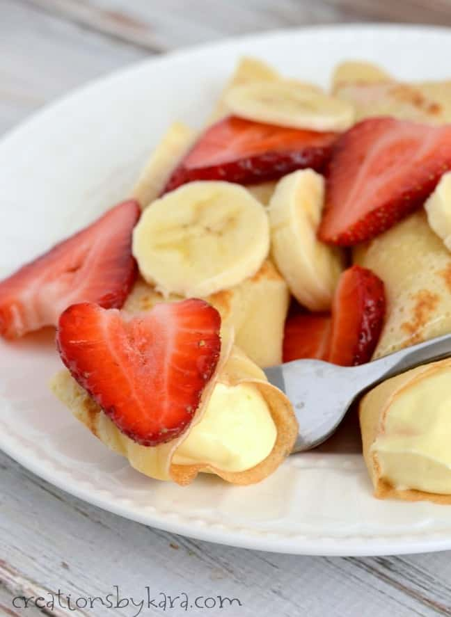 Strawberry Banana Crepe Recipe- the crepes and filling can be made ahead for a quick last minute dessert!