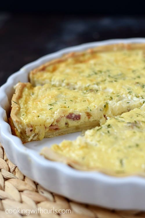 Your-brunch-guests-will-be-fighting-each-other-for-another-slice-of-this-delicious-Quiche-Lorraine-cookingwithcurls.com_