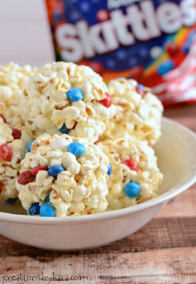 These 4 ingredient Marshmallow Popcorn Balls are the best ever!