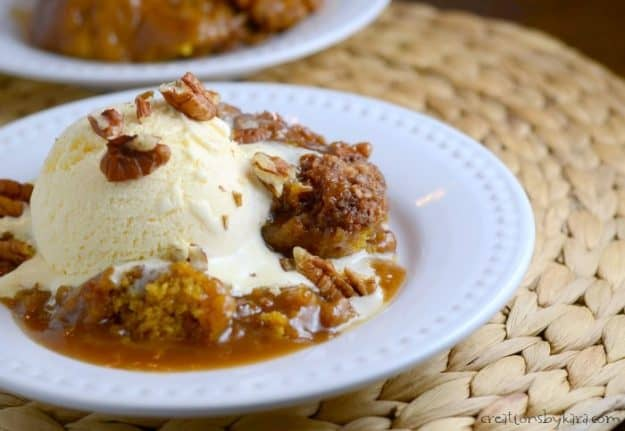 easy Pumpkin Cobbler with pecans