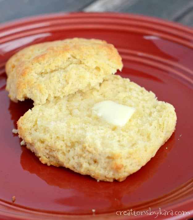 Melted Butter Biscuits - no need to cut in the butter for this biscuit recipe. And the biscuits turn out soft, fluffy, and delicious!