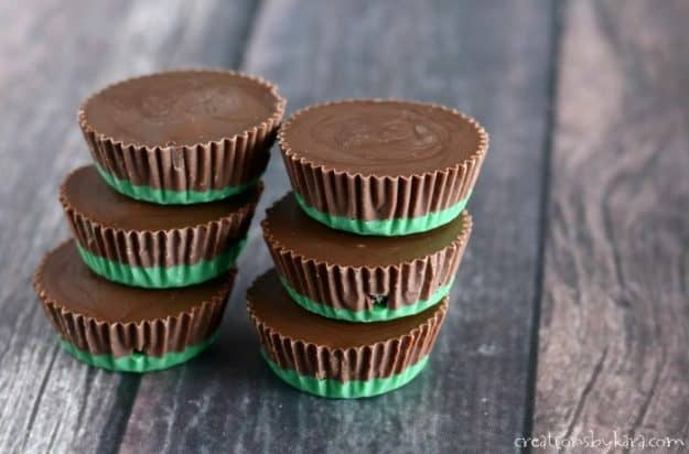 green and brown chocolate mint candies with oreos