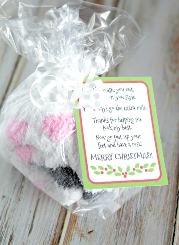 Christmas Gift Idea for hairdresser with free printable gratitude Christmas gift tags
