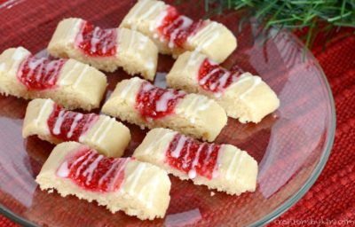 These simple shortbread cookies are filled with raspberry jam. They are so pretty and so delicious!