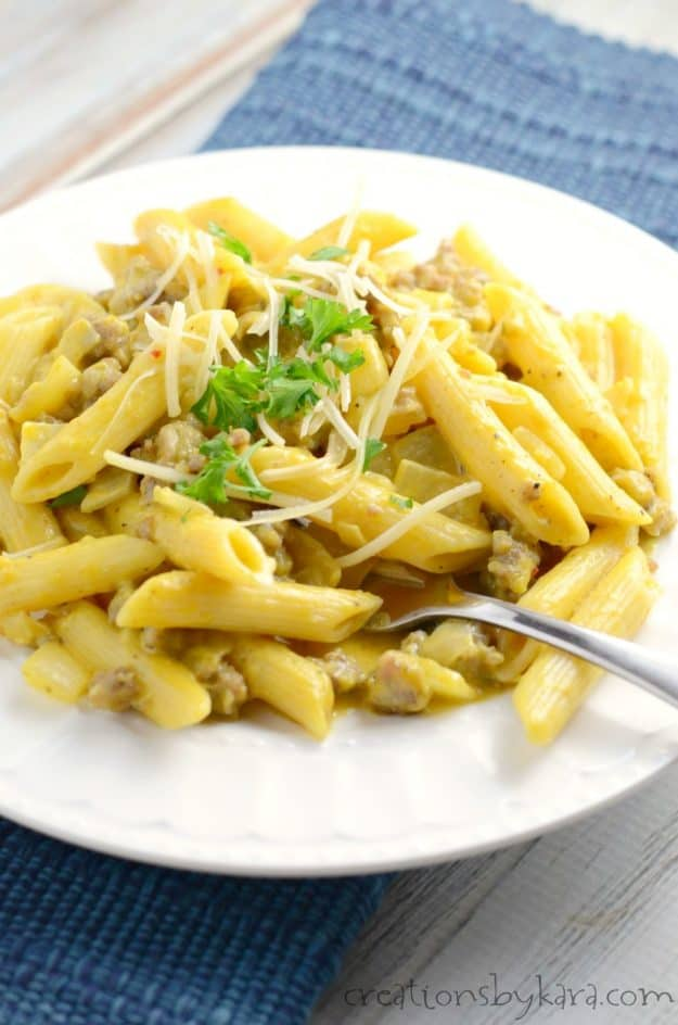 Recipe for savory pumpkin pasta with sausage. A simple but flavorful dinner recipe. Try it, it is delicious!
