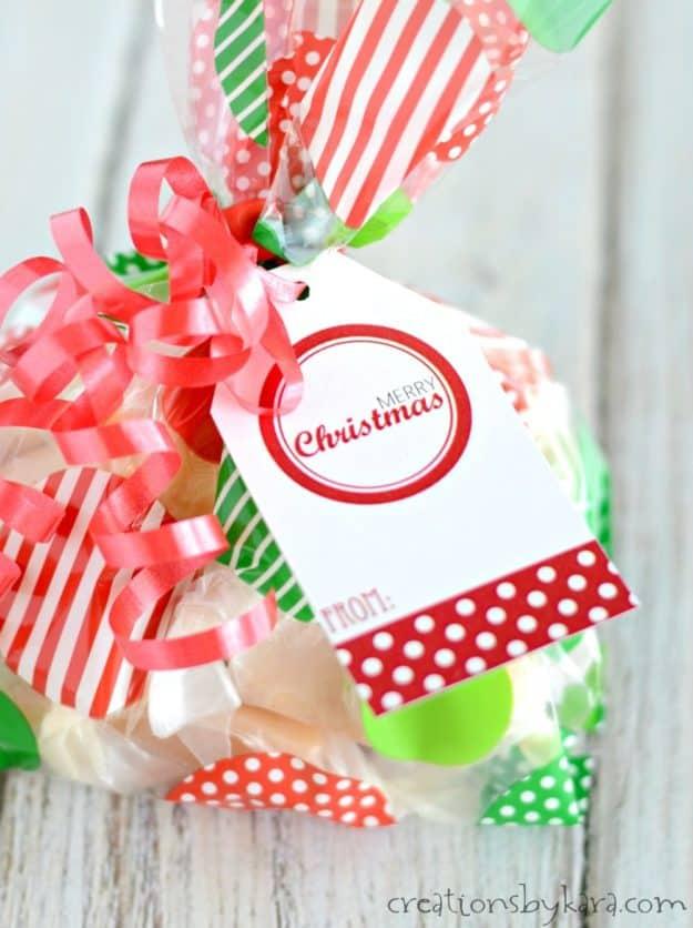 Red and White Christmas Gift Tags - free printable Christmas tags -from creationsbykara.com