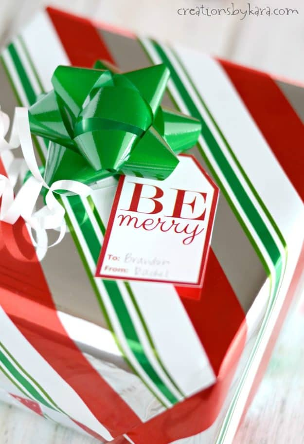 Print these free Christmas gift tags and have the prettiest packages under the Christmas tree! - free printable Christmas tags from creationsbykara.com
