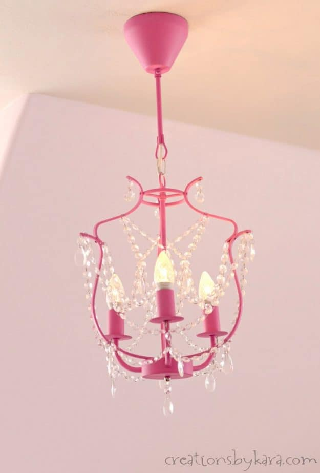 Ikea chalk painted chandelier. How to paint a lighting fixture with chalk paint.