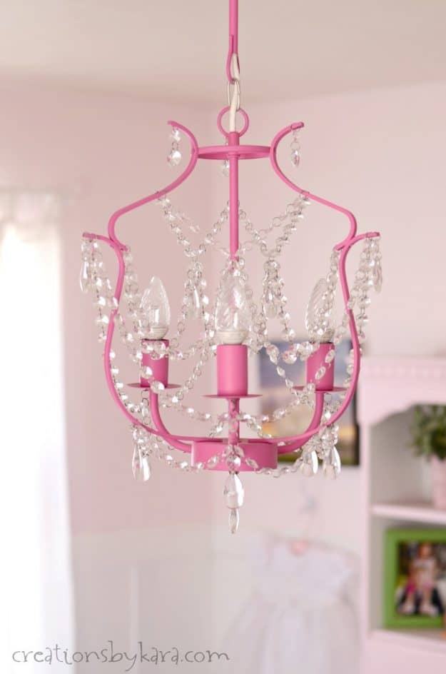 How to use chalk paint to paint a chandelier. A fun way to update your lighting!