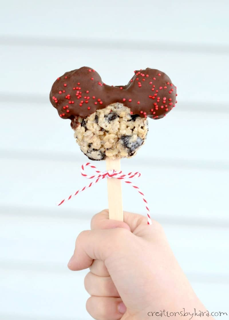 Diy Mickey Mouse Cake Stand
