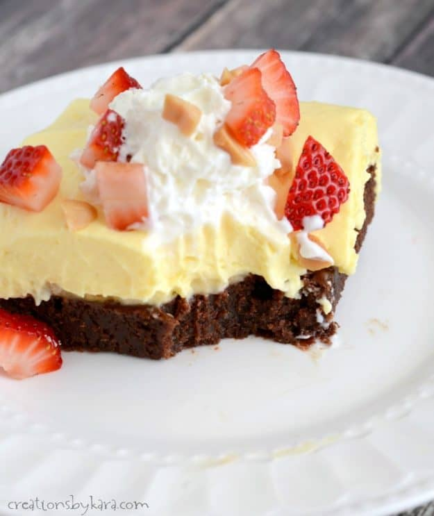 Recipe for banana cream brownie squares. Every bite of this dessert is incredible!