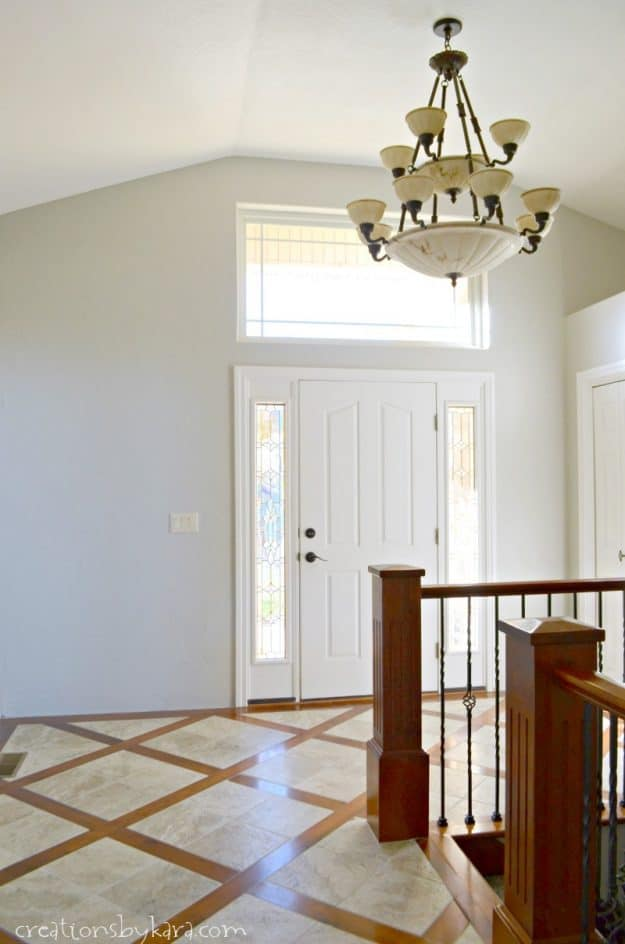Repose gray in entry way