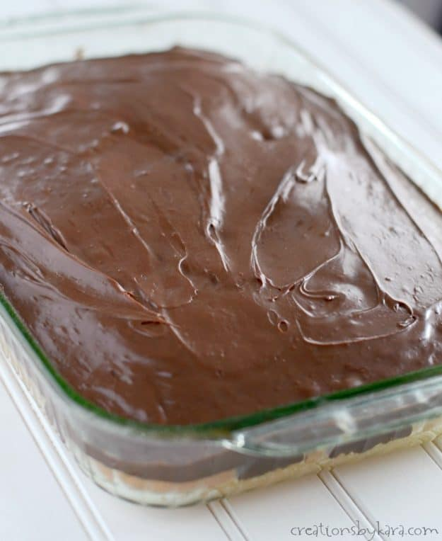 layer of fudge on top of mint cake