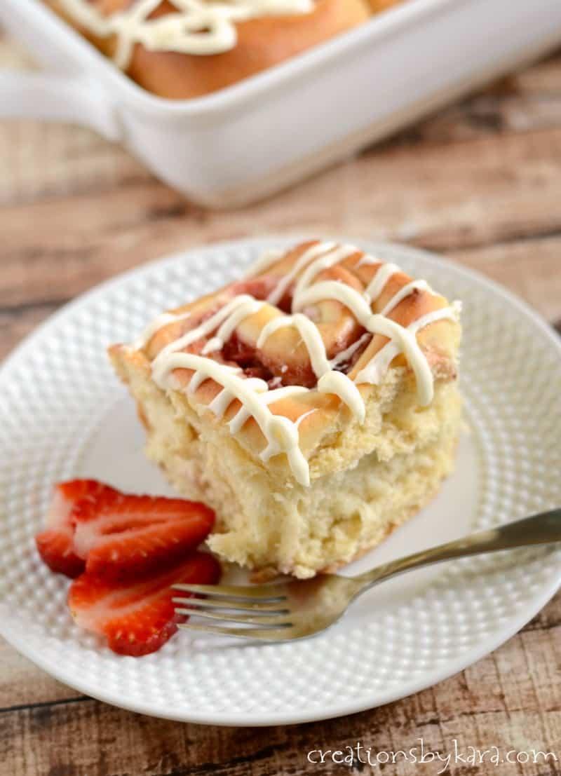 Strawberry Cream Cheese Icebix Cake