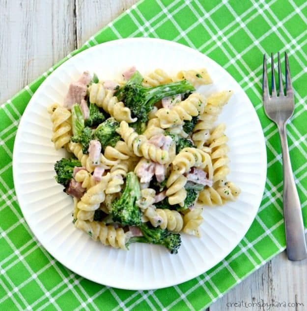 Creamy Broccoli Pasta with Ham - this easy pasta recipe will become a new family favorite!