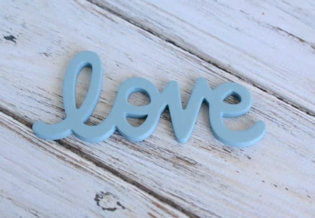 how to make a wood lovebird sign tutorial