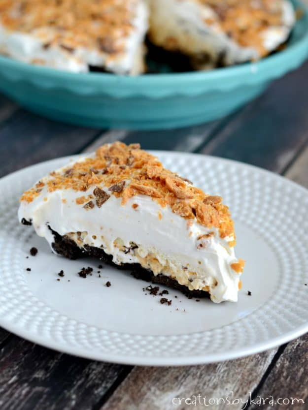 frozen butterfinger pie with whipped cream