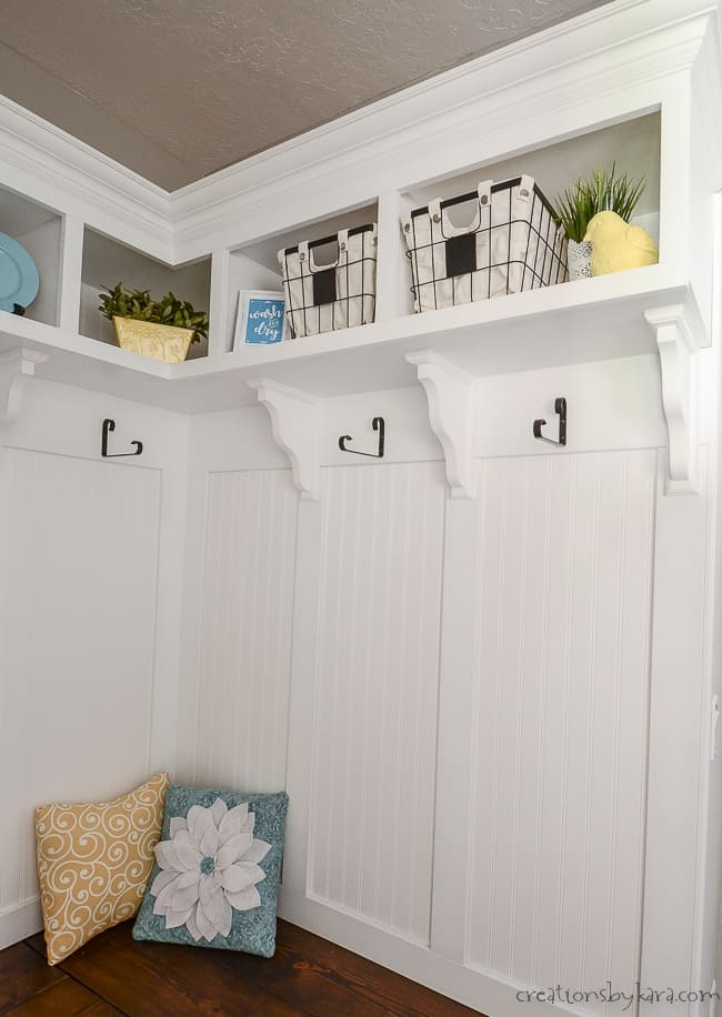 Final shot of corner mudroom bench with cubbies