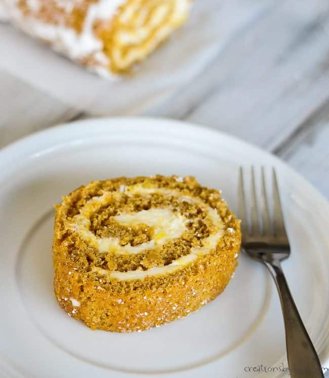 Pumpkin Ice Cream Roll Recipe: Pumpkin Roll With Cream Cheese Filling