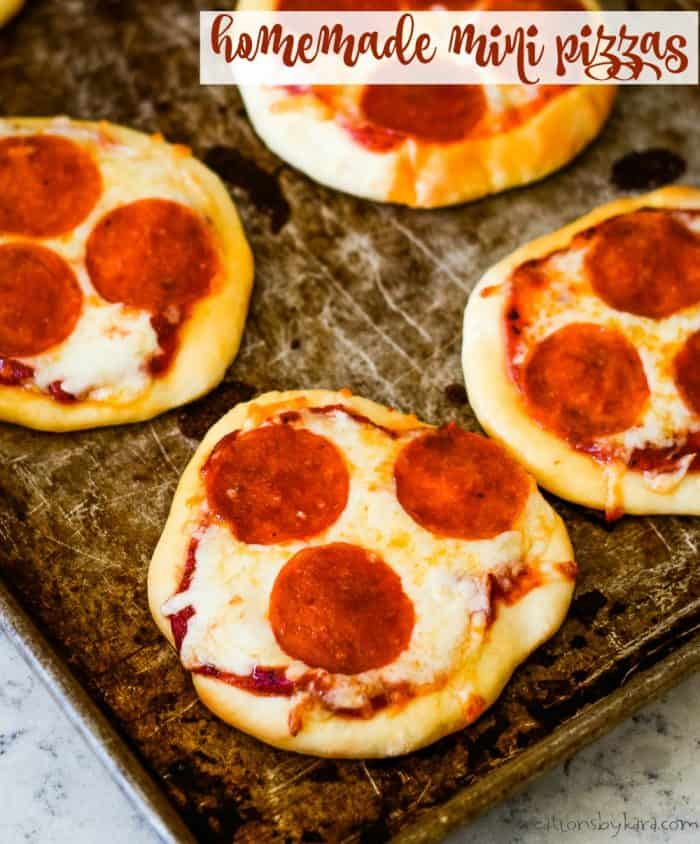 homemade mini pizza title photo