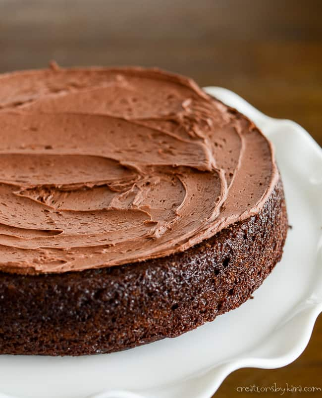 cake with a layer of chocolate frosting