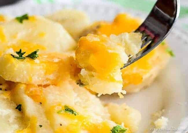 Easy Crock Pot Scalloped Potatoes