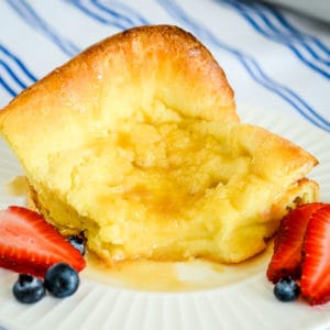 german oven pancake with berries