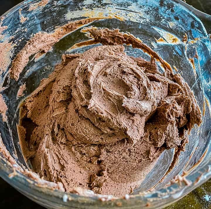 mixing bowl with low carb mousse