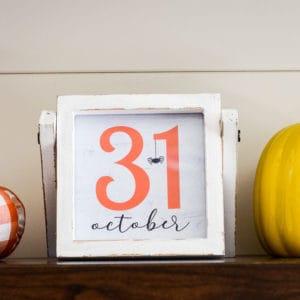 farmhouse halloween sign - october 31